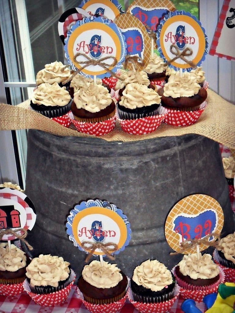 Farm Birthday Party Ideas - Cake Display