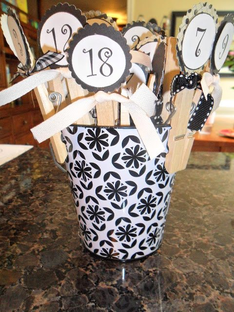 Countdown Calendar to help count down to holidays or vacations - number tags