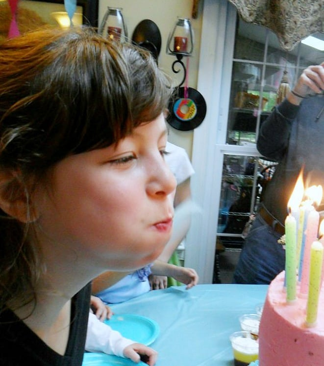 birthday-party-50s-sock-hop - blowing out candles