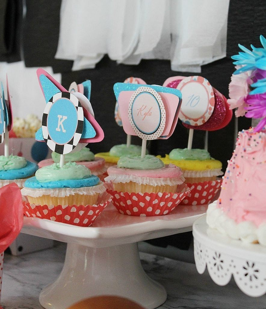 birthday-party-50s-sock-hop - cake and cupcakes