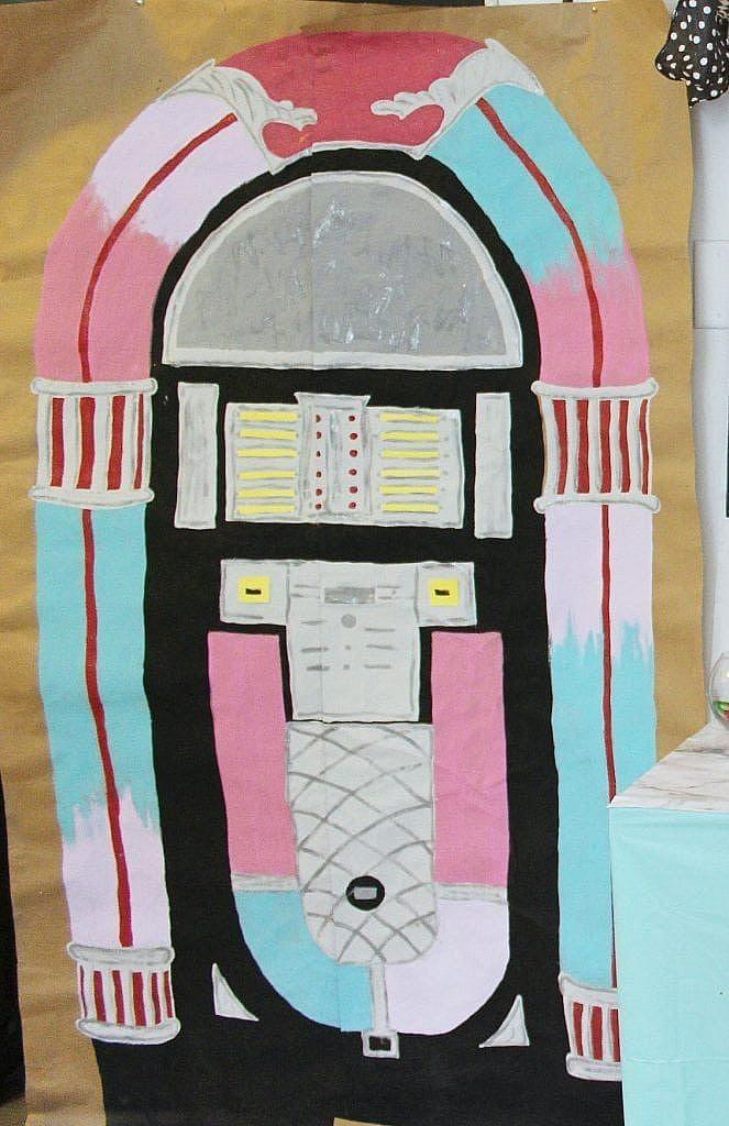birthday-party-50s-sock-hop - jukebox