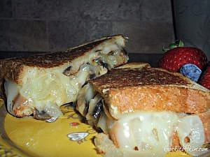 Grown-up Grilled Cheese - Comfort Food at it's best