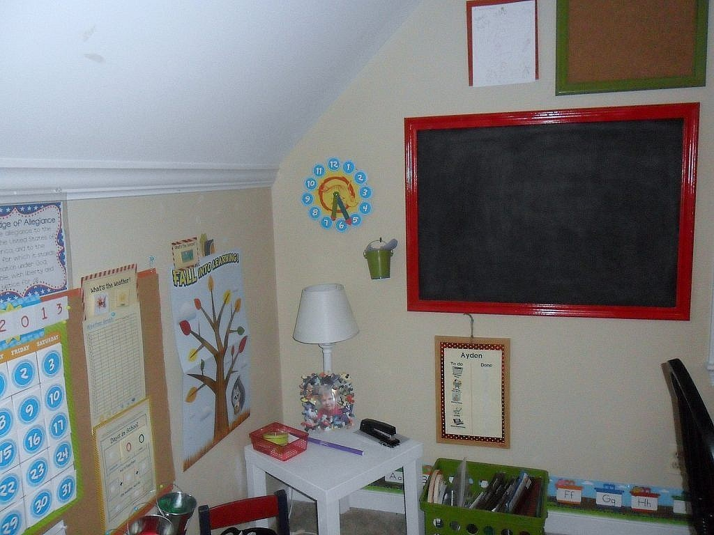 homeschool room how to make a chalkboard