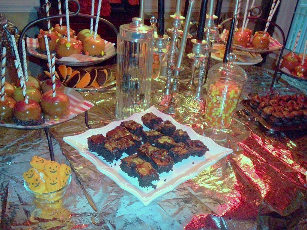 Creepy Carnival - Dessert Table