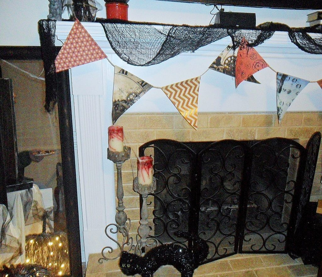 Creepy Carnival - Fireplace Bunting