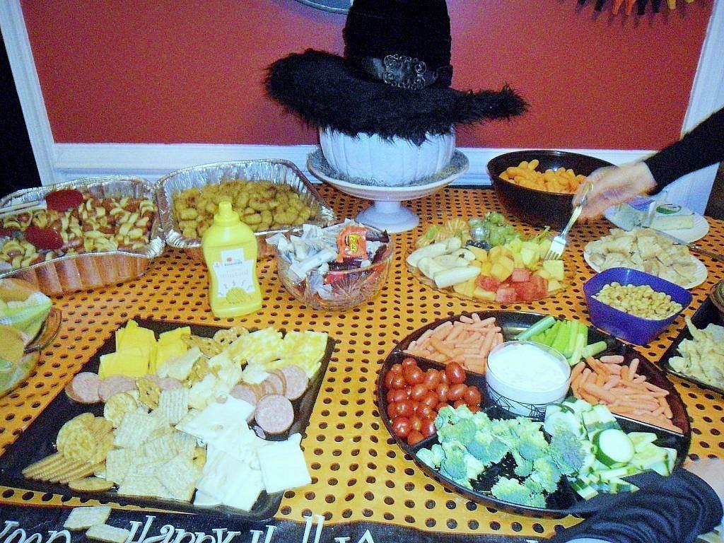 Creepy Carnival Halloween - Dinner