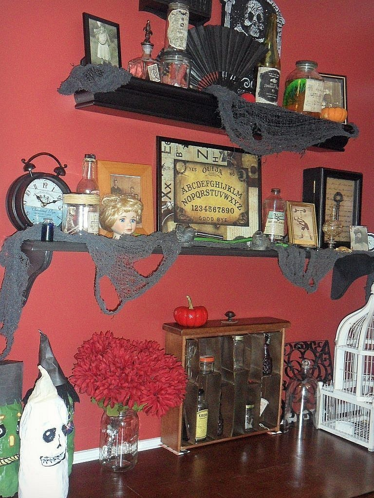 curiosities - Halloween Display