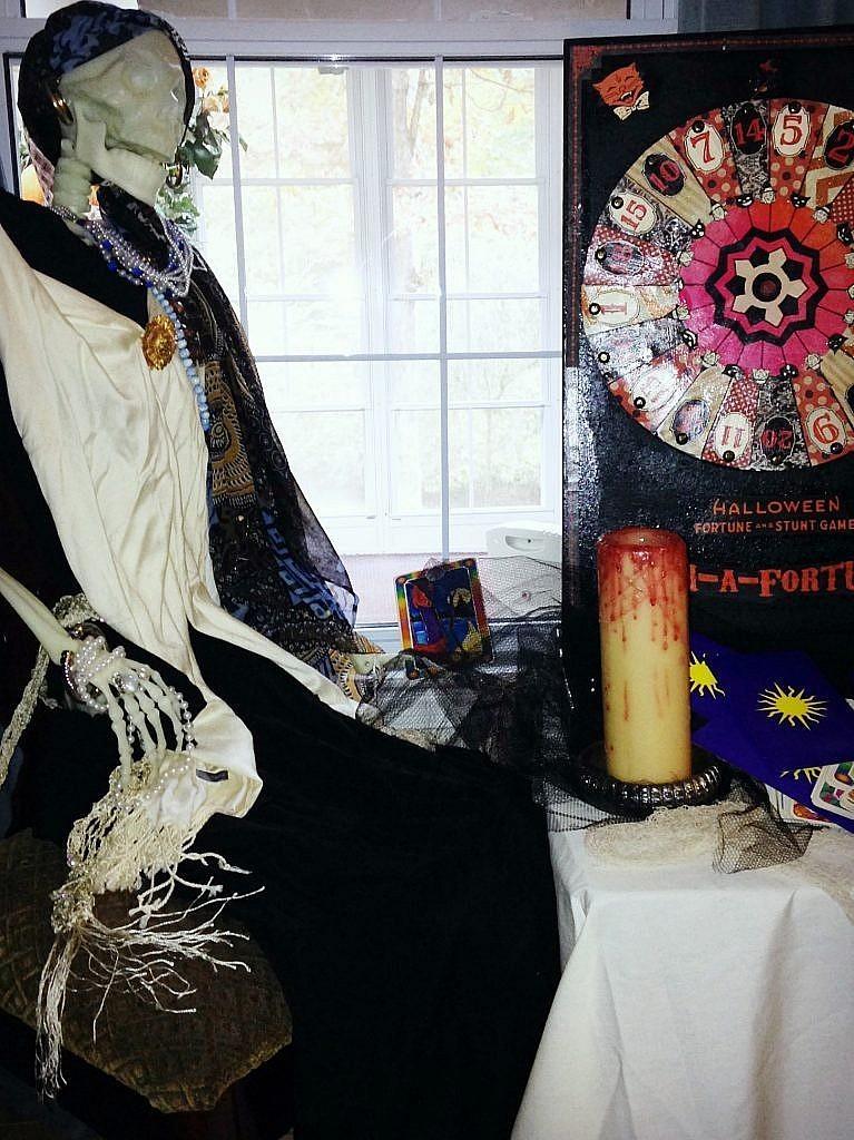 halloween creepy carnival - fortune teller