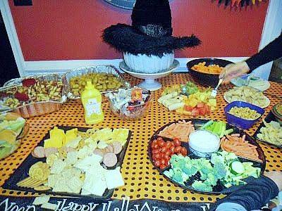 witch hat centerpiece - in action