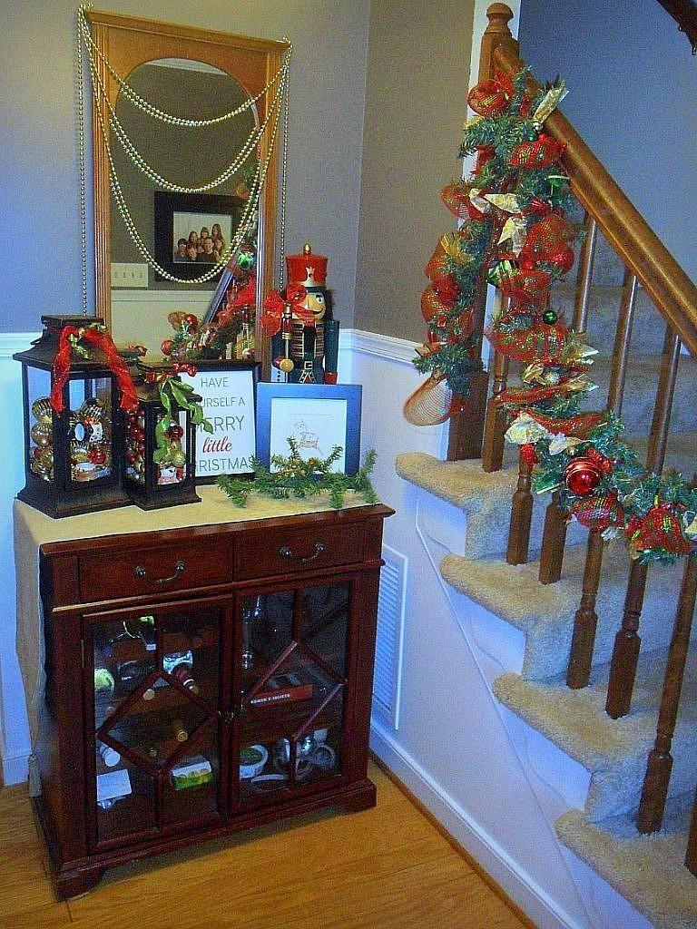 christmas house - foyer full