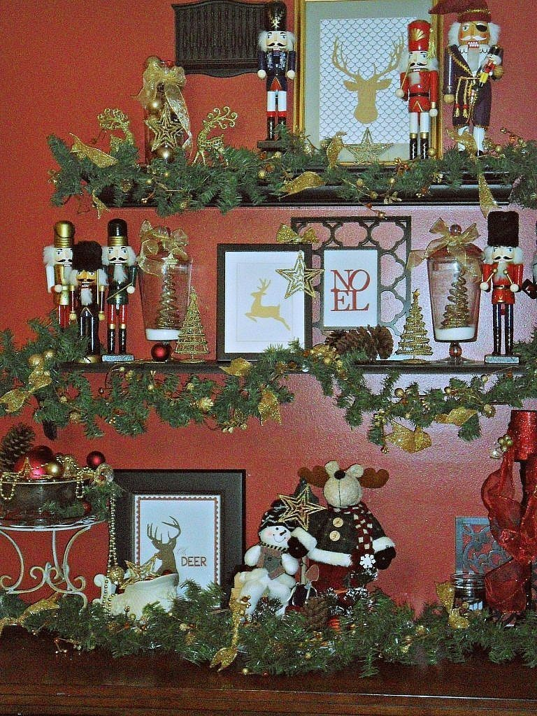 christmas house - kitchen shelves