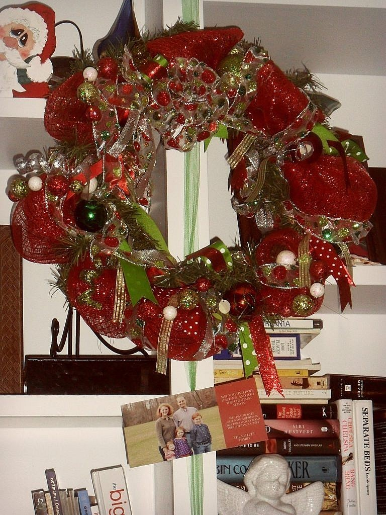christmas house - office builtins-wreath