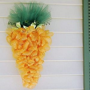 decomesh carrot wreath_square