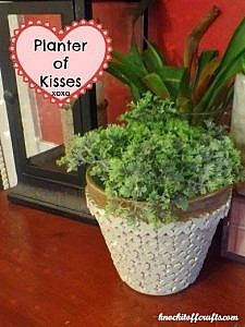 A planter full of kisses!