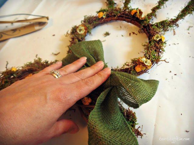 grapevine bunny wreath -applyribbon
