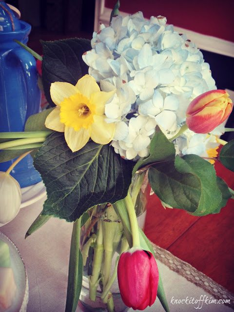easter tablescape flowers