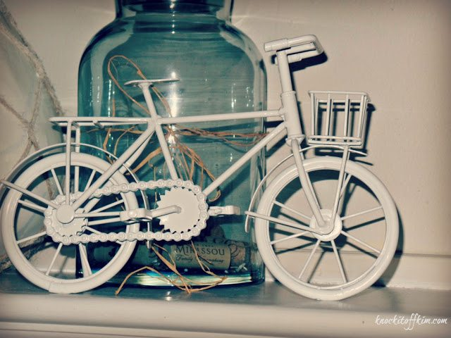 Spring decorating ideas - mantel bicycle