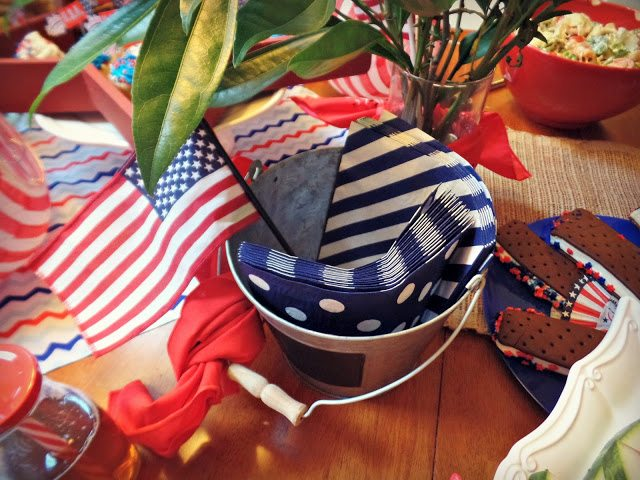 patriotics decorations_placesetting-extranapkins