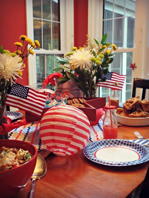 patriotics decorations_-sidetable