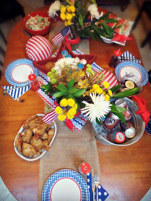 patriotic decorations_tablefromtop