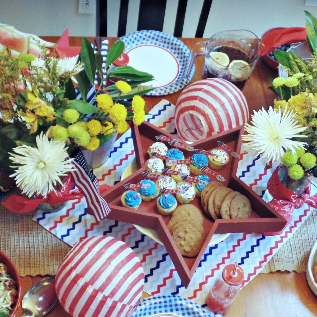 july 4th tablescape_feature