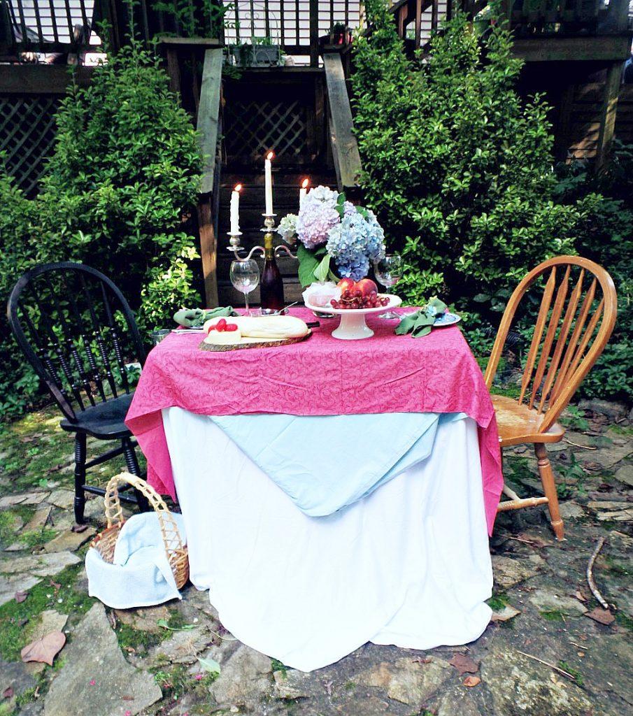 al fresco dining using humble materials
