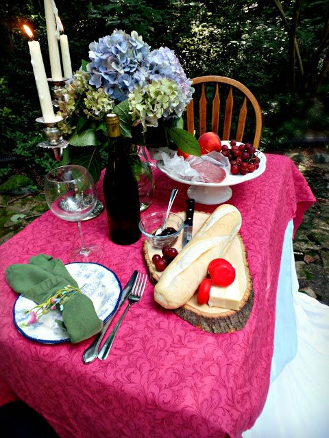 alfresco dining table - feature