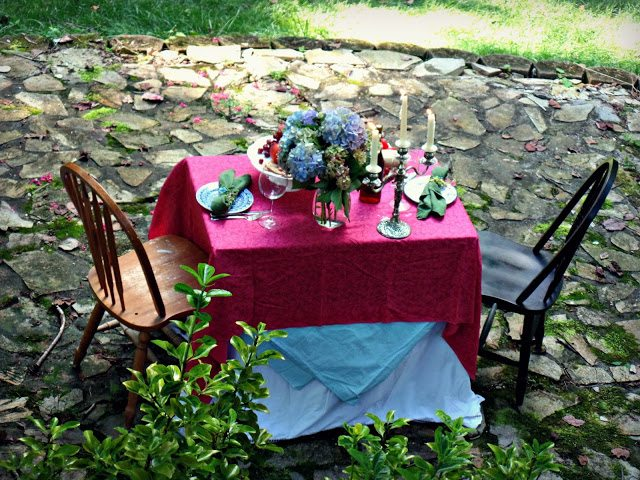 summer alfresco dining table - full table view