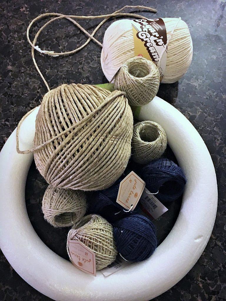 wreath ideas - rope and burlap