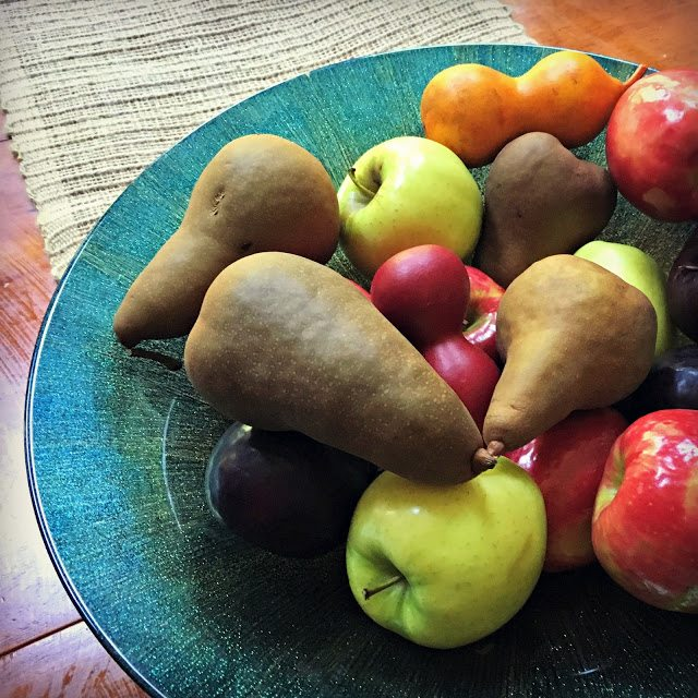 fall decorating with fruit