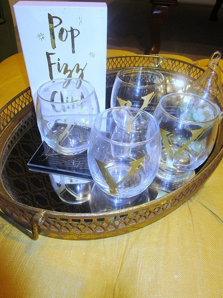 DIY Personalized Wine Glasses_on a tray