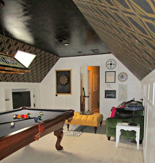Art Deco Eclectic Bonus Room