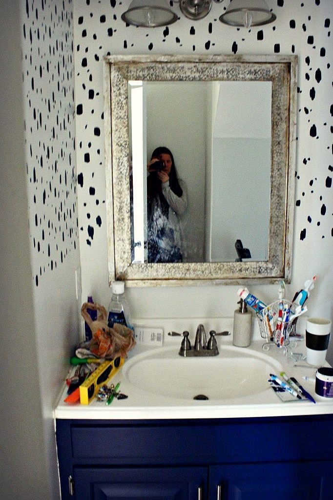 budget-bathroom-makeover-navy-blue-copy