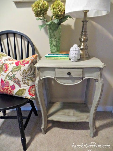 agingfurniturewithpaintandglaze