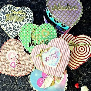 DIY Valentine's Day Heart-shaped Candy Box