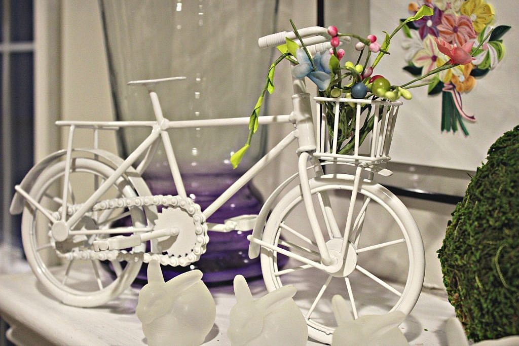 Spring Mantel Bicycle Accent
