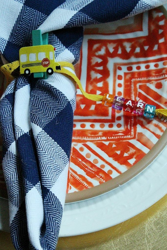 Back-to-School-party-table-napkin-wraps-with-beads