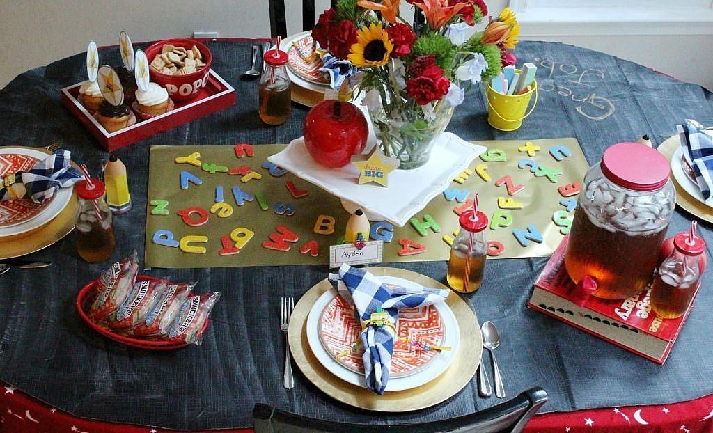 back to school party table - full length