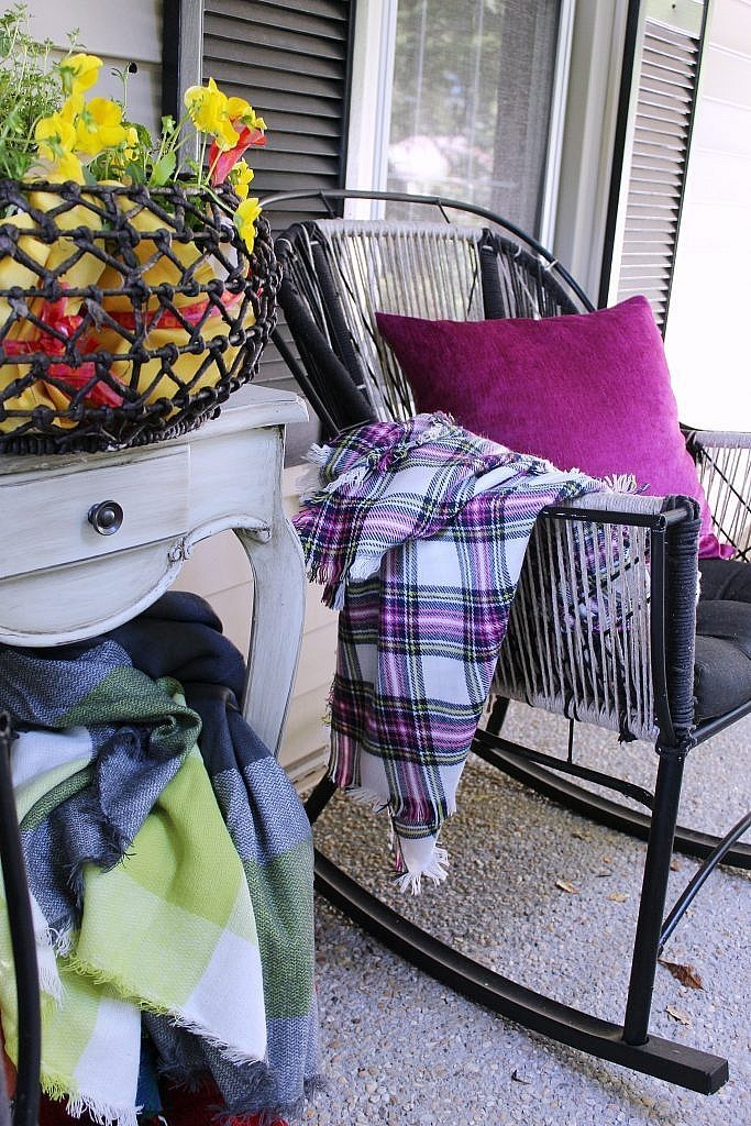 Front Door Porch Fall 2017 - Blanket Scarves
