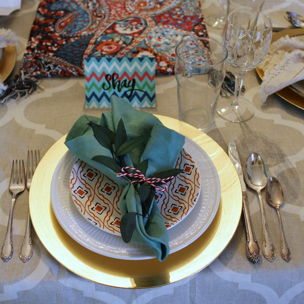 thanksgiving table-feature
