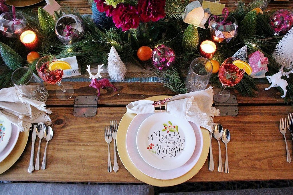 vintage Christmas - tablesetting with centerpiece