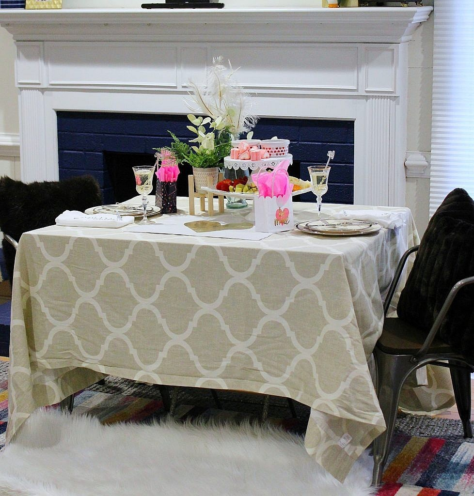 valentine table for two