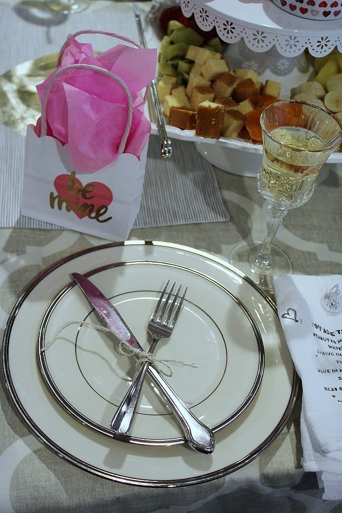 valentines table for two -closeup setting