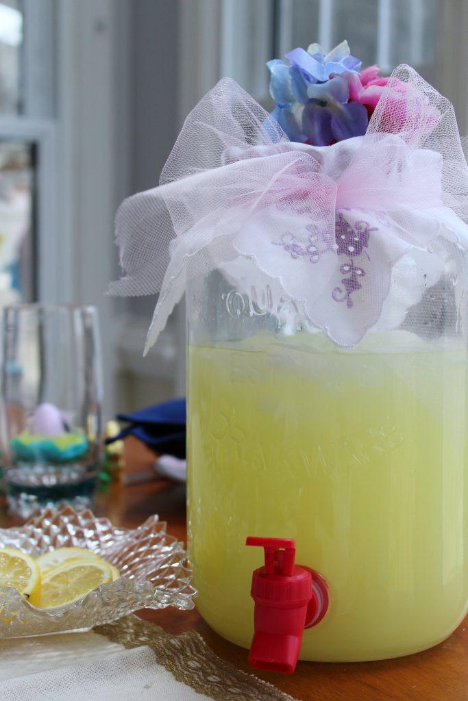 Easter Table Decorations - lemonade