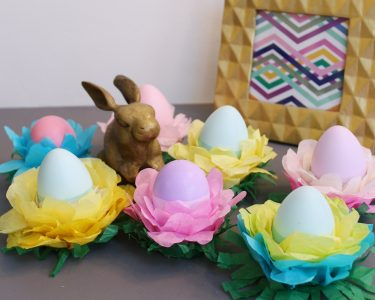 egg stand Easter Decorations - feature