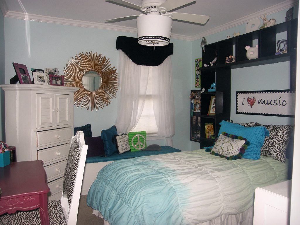 bohemian bedroom - before 1