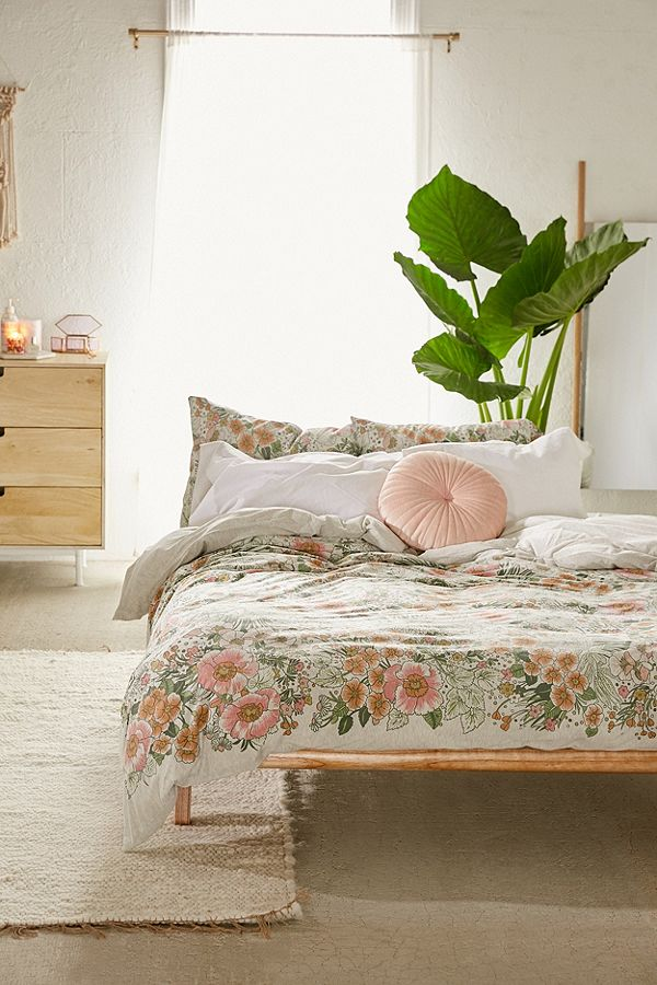 girls bedroom urban outfitters