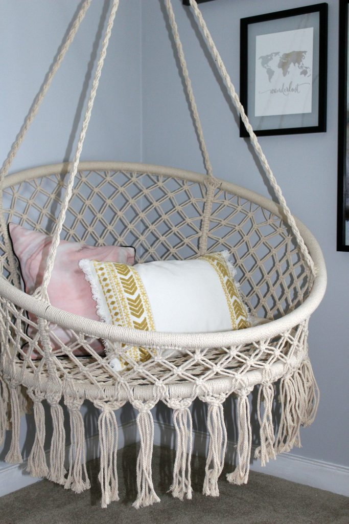 boho bedroom - hanging chair