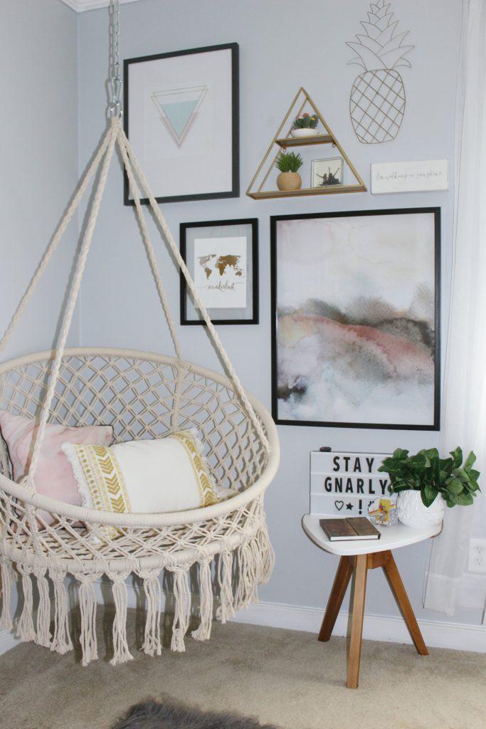boho bedroom - sitting area