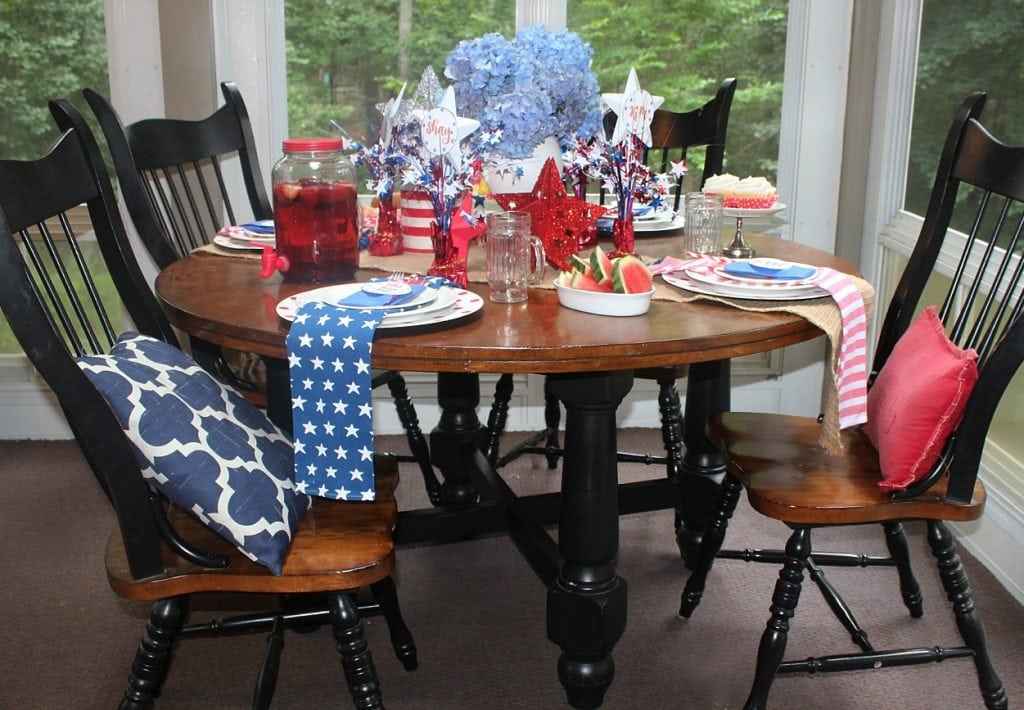 red white and blue - whole table-horizontal2